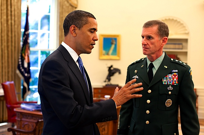 Obama, McChrystal meet to review Afghanistan strategy