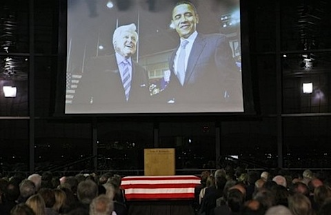 Kennedy memorial Obama.jpg