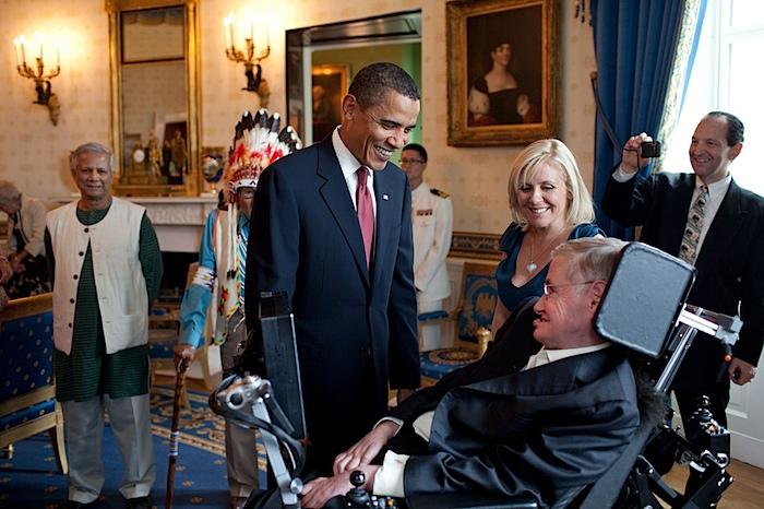 Obama stephen hawking.jpg