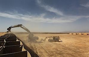 Building US bases Afghanistan 3.jpg