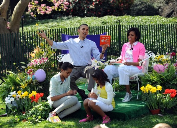 the-obama-family-reads-green-eggs-and-ham-during-the-annual-easter-egg-roll.prev.jpg